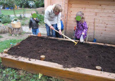 Hochbeet bauen – Construction d'un bac potager